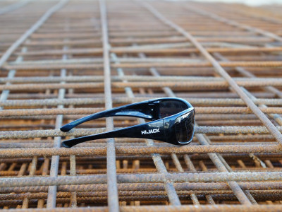 Hijack Safety Glasses - Black Frame Polarised Lens
